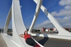 S Torlet - Une pose au pont des docks