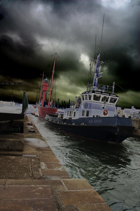p-mahieu-remorquage-du-bateau-feu