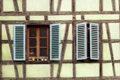 www.regardsetimages.fr-2-bernet-philippe-fantome
